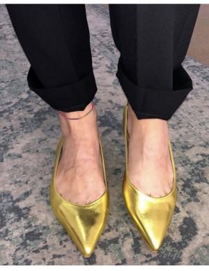 Ballerina giallo oro