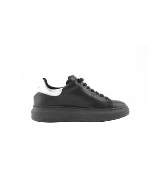 Sneakers nera