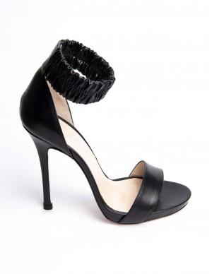 Sandalo nero con bracciale