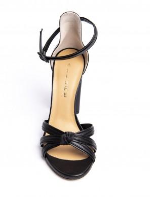 Sandalo nero con nodo
